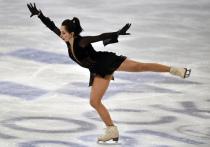 Выступление одиночниц в короткой программе на неофициальном командном чемпионате мира (World Team Trophy) в Японии упрочило лидерство команды России, которая набрала 35 очков после двух видов: выступления танцоров и женщин в короткой программе