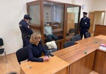 Рэпер Эльмин Гулиев, устроивший громкое ДТП в центре Москвы в сентябре прошлого года, на оглашении приговора в четверг в очередной раз извинился перед пострадавшими и признал вину