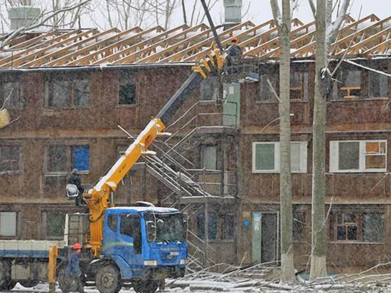 Всего в каспийской столице признано аварийными более 600 домов, еще порядка полутора тысяч рекомендовано к сносу
