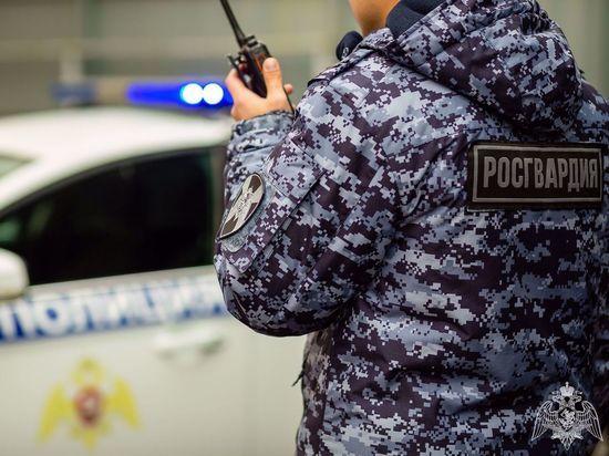 В Архангельске росгвардейцы задержали осуждённого, объявленного в федеральный розыск