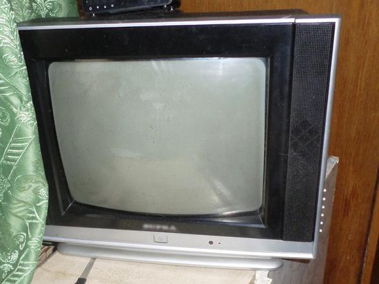 Житель Вельского района украл телевизор из дачного дома, возбуждено дело
