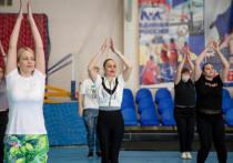 Учителя благовещенской школы бесплатно занимаются спортом с тренерами