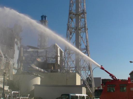 Токио намерен сбросить воду в океан в результате тщательной очистки с аварийной АЭС