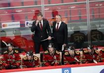 Хоккейный эксперт оскорбительно отозвался о тренере омского «Авангарда»
