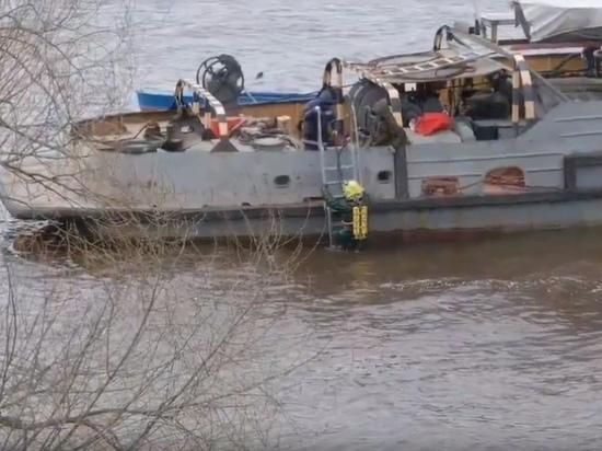 В Кимрском районе водолазы ищут неизвестную дыру в мутной воде | Видео