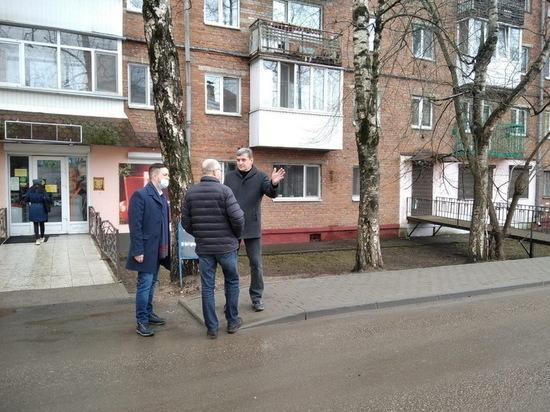 В центре Смоленска жители четырех домов избавились от парковки