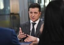 Украинский президент Владимир Зеленский заявил в интервью французской газете Le Figaro, что он подавал запрос на разговор с президентом России Владимиром Путиным, но в Кремле разговор не подтвердили — и он не состоялся