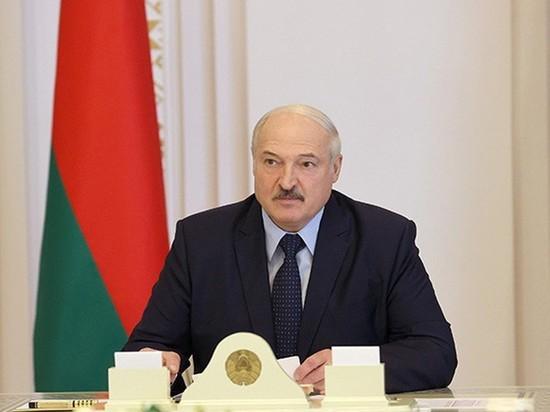 """Лукашенко анонсировал """"серьезную"""" встречу с Путиным в апреле в Москве"""