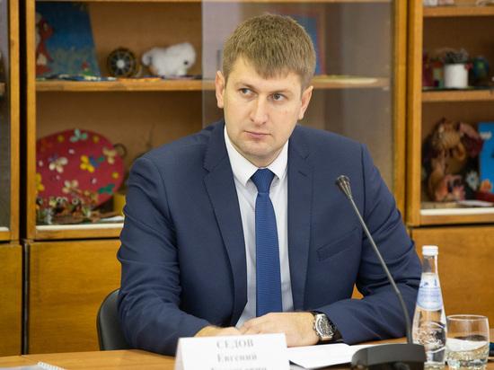 Главу Палкинского района отстранили от должности из-за давления на подчиненных