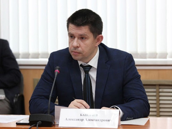 Николаев снял с должности замминистра строительства Чувашии Александра Башлаева