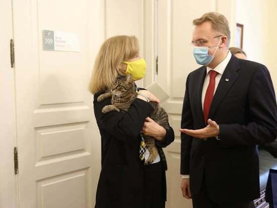 Мэр Львова попросил США помочь в организации территориальной обороны
