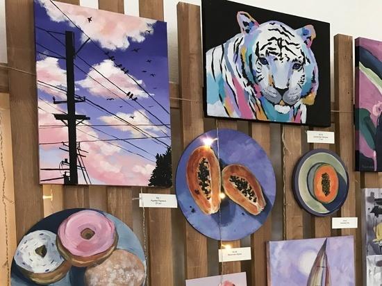 Студия рисования Draw&Go при поддержке СИБУРа провела сессию мастер-классов по живописи в городах Югры