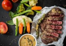 В Псковской области стали производить меньше мяса и напитков