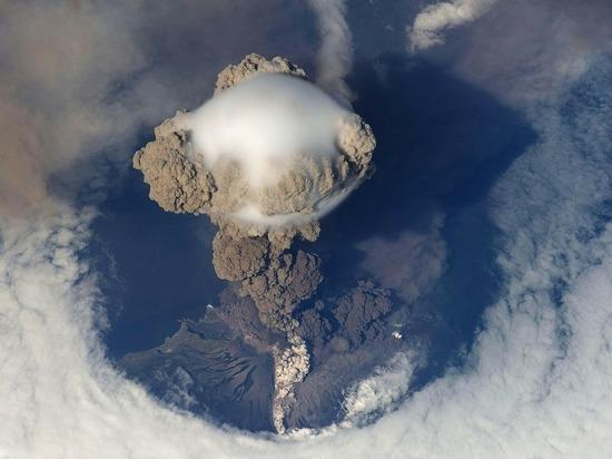 Извержение вулкана на Сент-Винсенте озаботило ООН