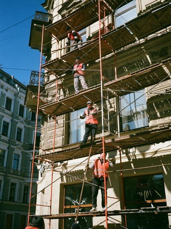 8 подрядчиков объявили недобросовестными после некачественного ремонта в псковских домах