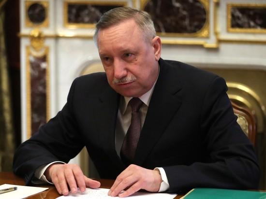 Власти Петербурга разрешили жителям не носить перчатки