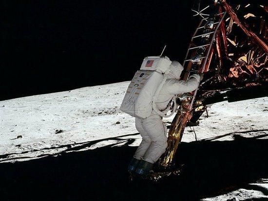 SpaceX получила контракт НАСА на обеспечение полета на Луну