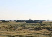 В Крыму, в районе общевойскового полигона Опук - между Феодосией и Керчью – прошло оборонительное военное учение