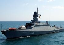 Отряд из пятнадцати кораблей Каспийской флотилии 17 апреля прошел Керченский пролив и зашел в Черное море