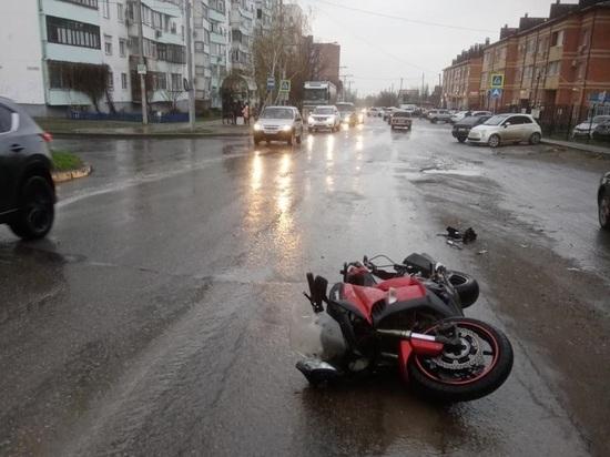 Водитель мотоцикла пострадал в ДТП в Таганроге