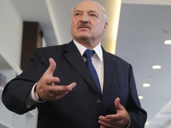 """Лукашенко назвал секрет борьбы с ковидом: """"Больше работать, нормально питаться"""""""