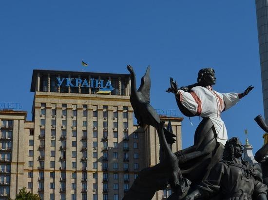 Киев выслал российского дипломата из-за задержания консула в Петербурге