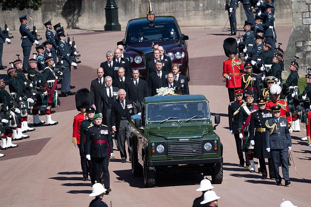 Похороны принца Филиппа в фотографиях: Чарльз, Уильям, Гарри и другие