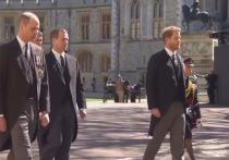 Принцы Гарри и Уильям вместе прогулялись после похорон дедушки
