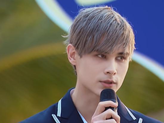 Россиянин Влад Иванов под псевдонимом Lelush стал заложником китайского шоу талантов Produce Camp 2021, поскольку фанаты постоянно голосуют за него, продвигая в следующий тур