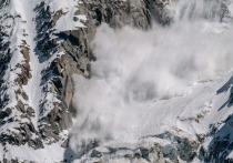 При сходе лавины в Якутии погиб человек