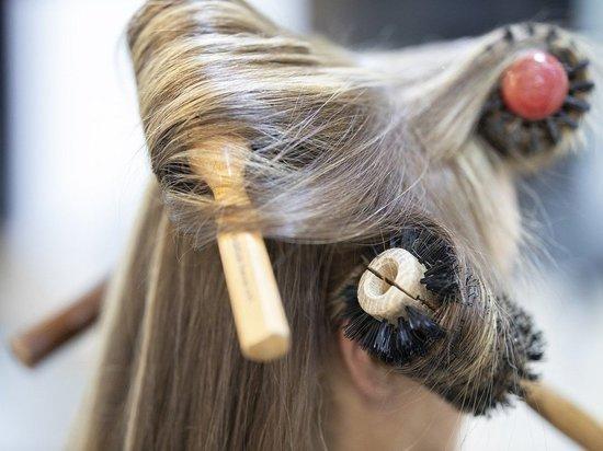 Названа самая вредная для волос прическа