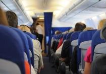 Летевший в Благовещенск самолет сел в Братске из-за плохого самочувствия пассажира