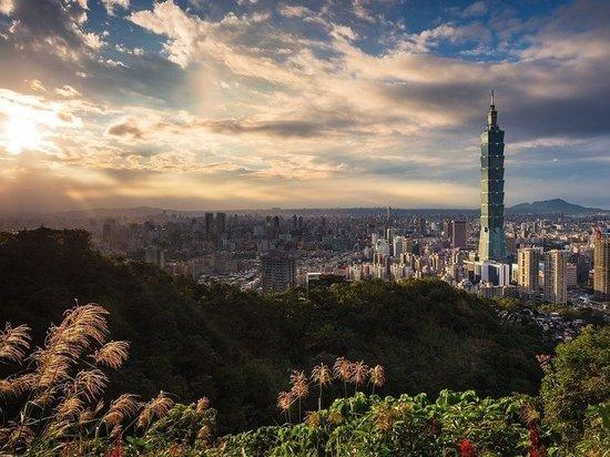 Китай не исключил разных вариантов воссоединения с Тайванем