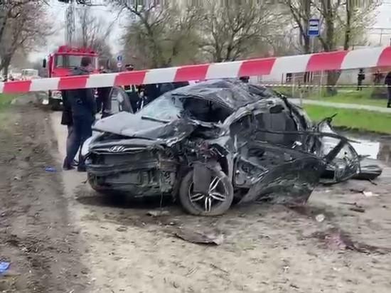 Все пять жертв автомобильной аварии, произошедшей в ночь на воскресенье в Новочеркасске Ростовской области, были несовершеннолетними
