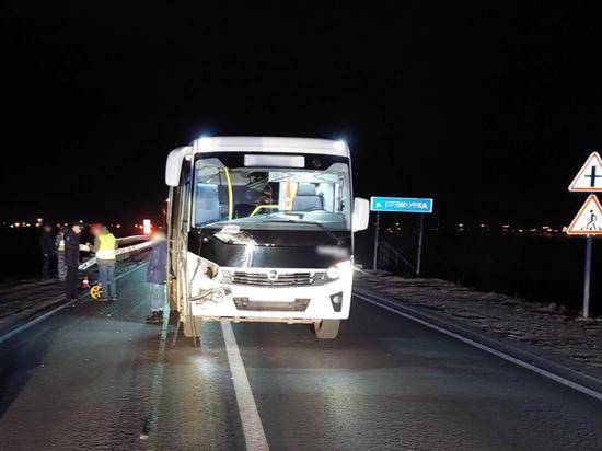 На левом берегу Архангельска автобус насмерть сбил пешехода