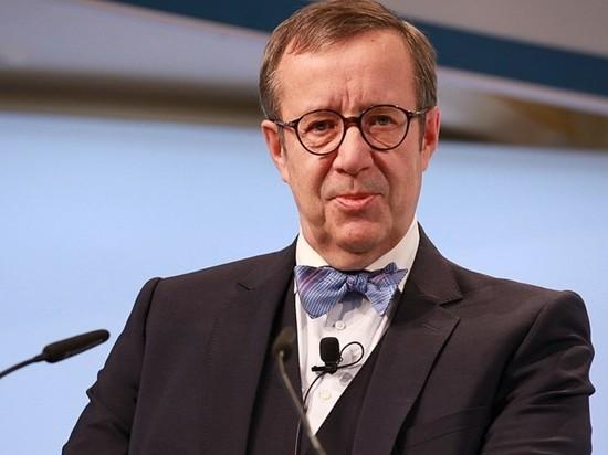 Эстонский политик Тоомас Хендрик Ильвес, занимавший президентский пост в 2006–2016 годах, завил о необходимости запрета на въезд в ЕС для всех граждан РФ вне зависимости от целей поездки — по крайней мере, временного