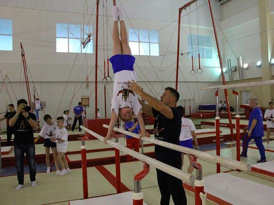 Олимпийский чемпион Алексей Немов провёл мастер-класс для более 200 гимнастов в Краснодаре