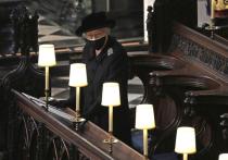Вернувшийся в Лондон принц Гарри во время похорон был стратегически разделен кузеном с принцем Уильямом