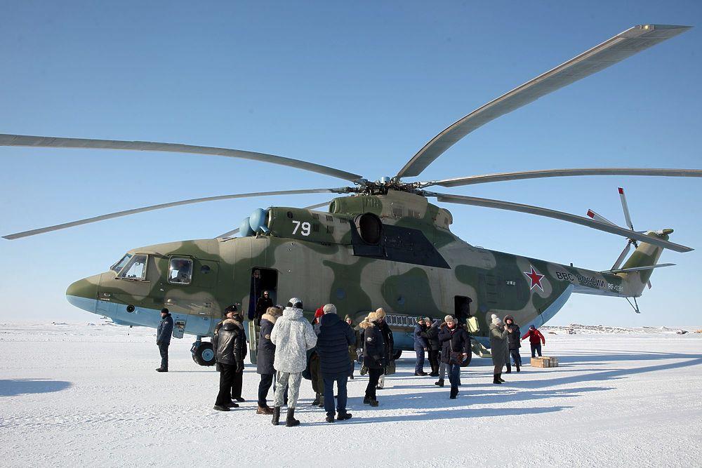 Общественный совет при Минобороны навестил военных в Арктике: снежные кадры