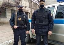 Росгвардейцы задержали вора под потолком супермаркета в Краснокаменске