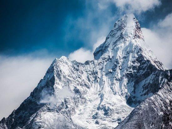 В Гималаях стартовали поиски альпинистов из России