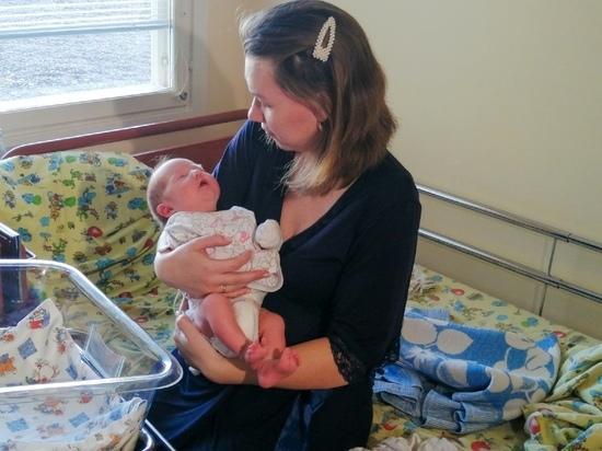 Хирурги Югры спасли трех новорожденных  с помощью санитарной авиации