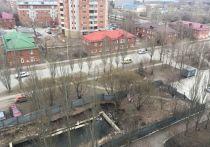 Омич возмутился из-за котлована, устроенного на месте сквера в районе 20-й Линии