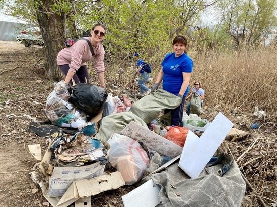 Чистые игры: астраханцы собрали раздельно 8 тонн мусора на острове Пролетарский