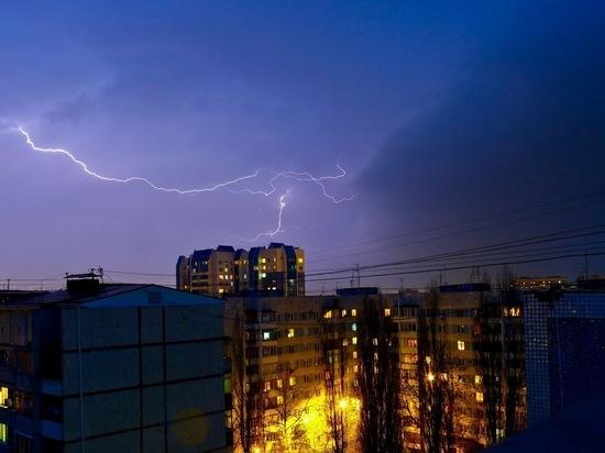 В Ростове прогнозируется сильный ветер, гроза и ливень