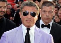 Организаторы, обещавшие привезти в столицу актера Сильвестра Сталлоне, не выплатив компенсацию за купленные три года назад билеты, снова собирают зрителей
