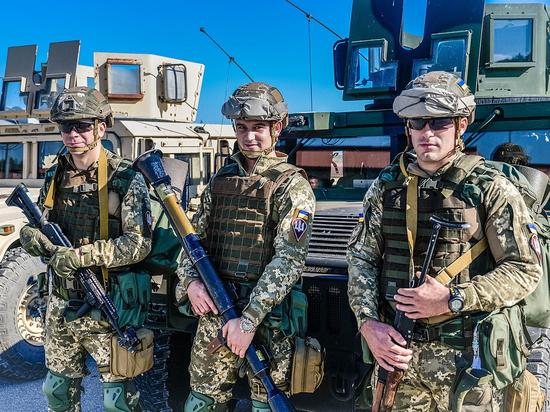 Экс-глава СБУ заявил об отказе Запада воевать за Киев