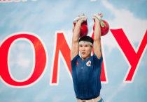Якутянин Владимир Оленов стал призером чемпионата трех федеральных округов по гиревому спорту