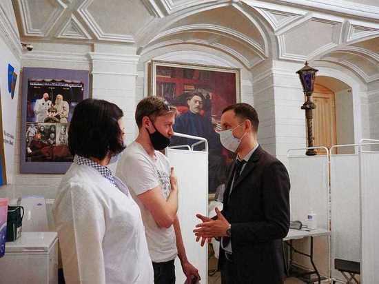 Пункт вакциниции от коронавируса открылся в нижегородском драмтеатре