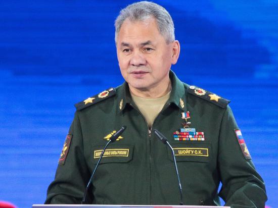 Министр обороны Сергей Шойгу заявил во вторник на заседании коллегии министерства, что военно-политическая обстановка на Юго-Западном стратегическом направлении остаётся сложной